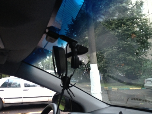 Вид выносной камеры AXiOM Car Vision 1000 сбоку
